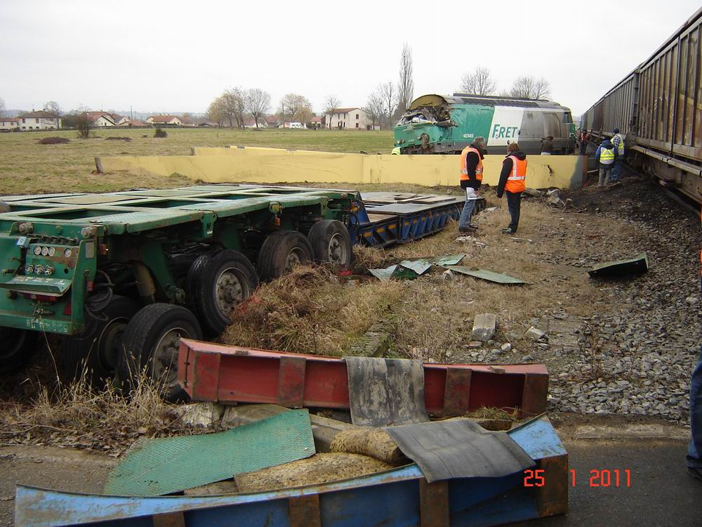 spektakuläre unfälle mit schwertransporten